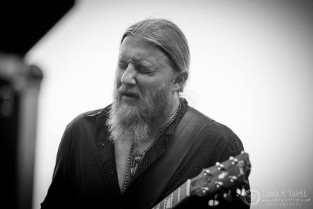 Derek Trucks Digging In