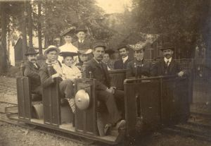 "Gravity Car • Passengers, and a ""Gravity-Man"" on the Mt. Tamalpais & Muir Woods Railway • Circa 1914"